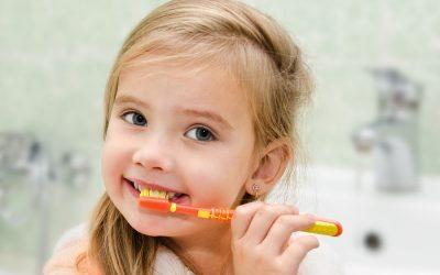 Cine are grija de dintii micutilor?